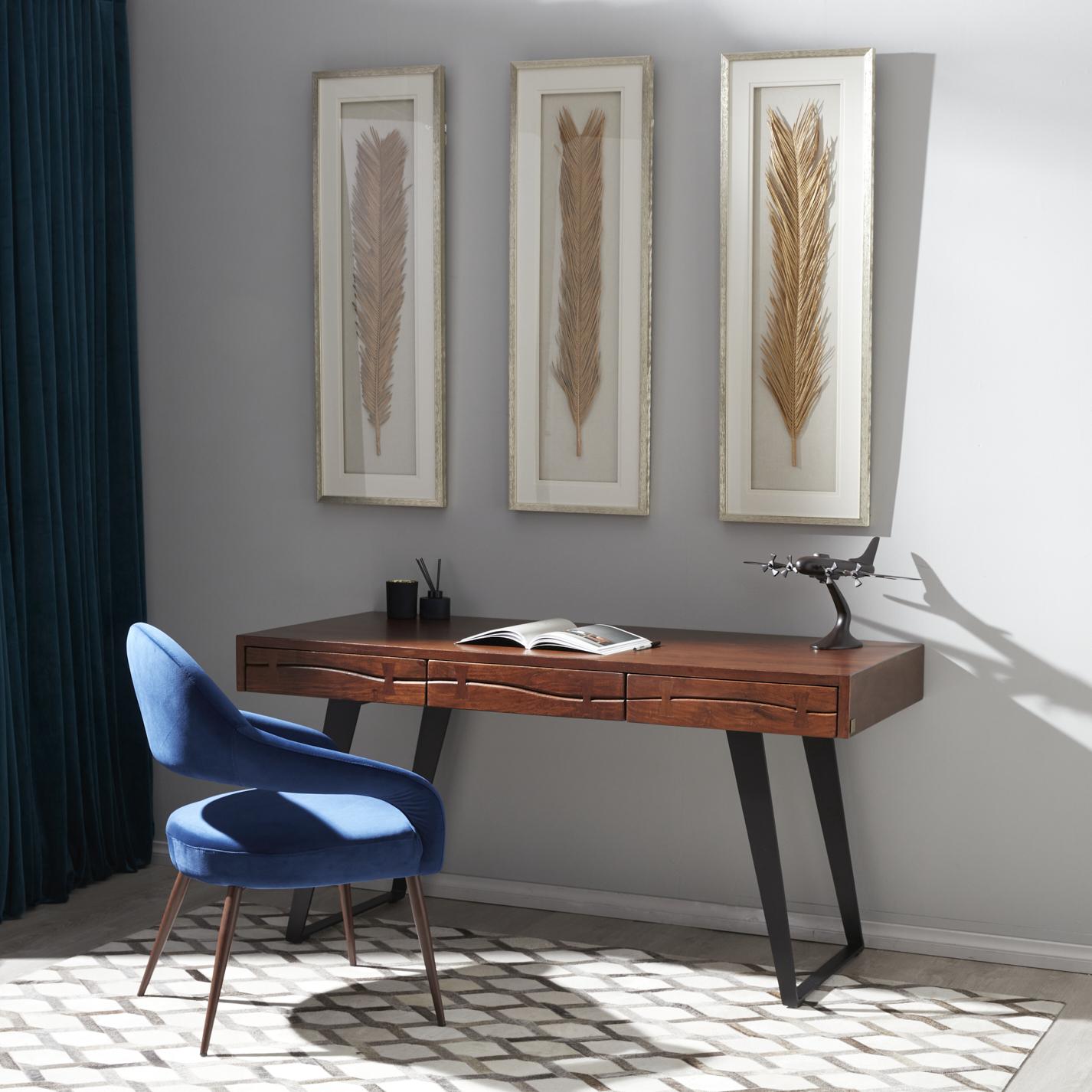 Dynasty Desk